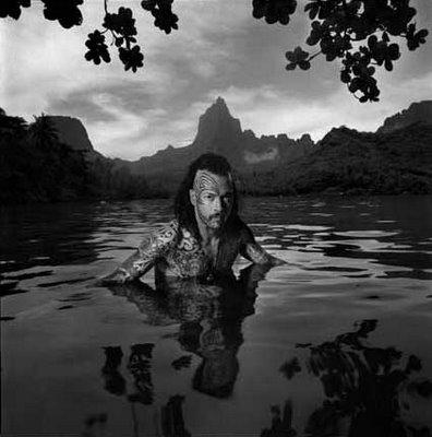 El Artista tatuador Free Wind en Tahiti