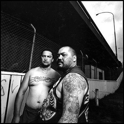 Miembros de una banda Mahori en Nueva Zelanda