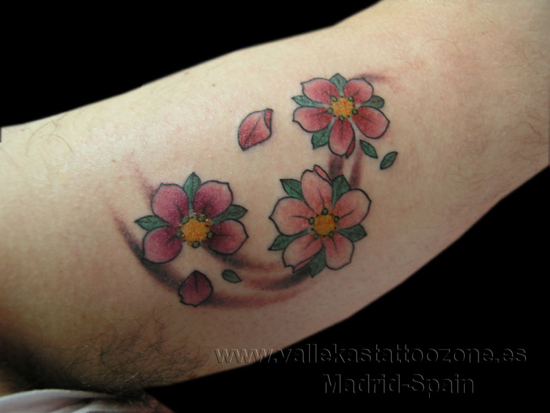 Flores de pictures to pin on pinterest tattooskid for Tattoo de flores