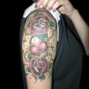 Tatuaje Candado Corazon y Rosas