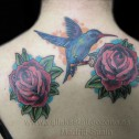 Tatuaje Colibrì y Rosas