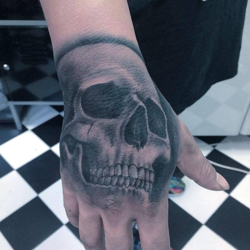 Tatuaje-Calavera-Mano