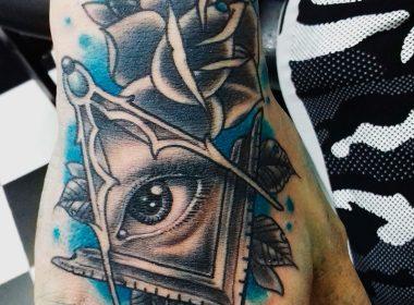 Tatuaje-illuminati-mano