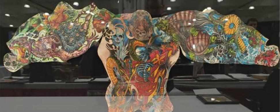 piel tatuada despues de la muerte