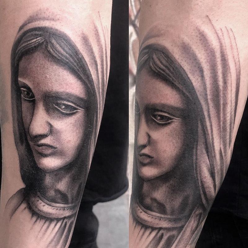 Tatuaje-Virgen-Realista