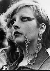 piercing en la generación punk