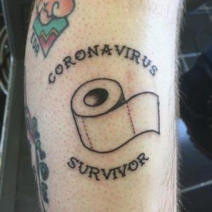 Coronavirus tattoo y el papel higienico
