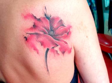 Tatuaje Floral Acuarela
