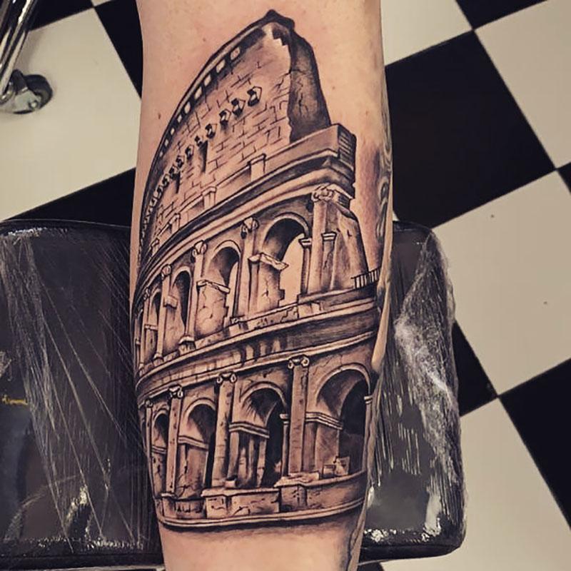 Tatuaje coliseo romano